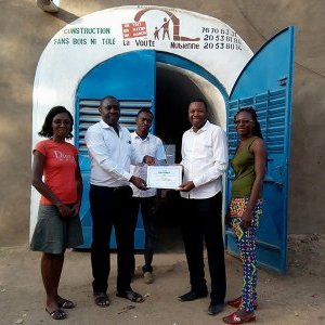"Award of the SIERO ""Eco-habitat"" 2017 prize to AVN-Burkina"